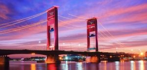 2014-11-16-south-sumatra-ampera-bridge